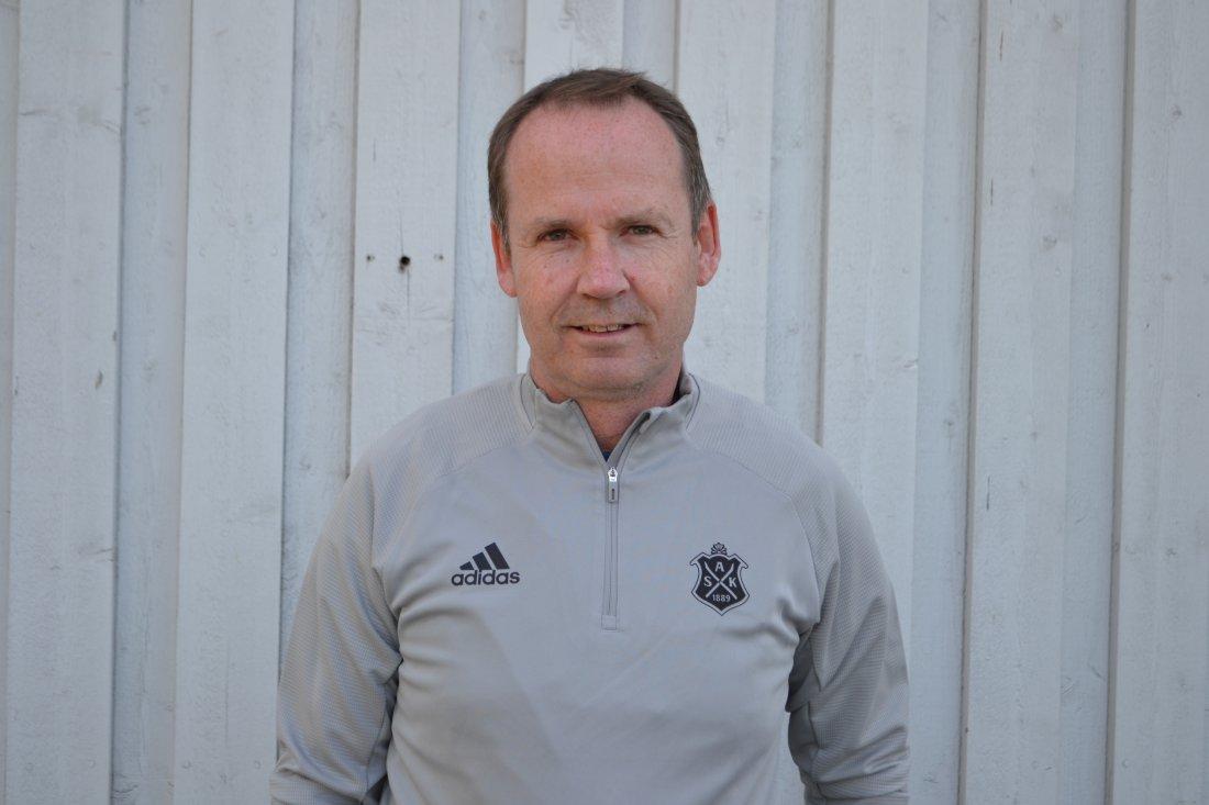 Asker United Coach